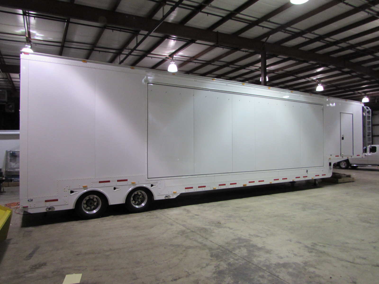 48ft Single Expandable Exposition Trailer